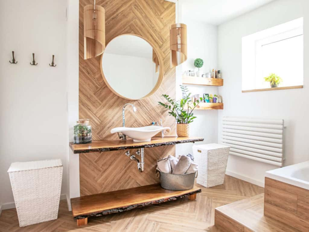 vernici-per-legno-per-bagno
